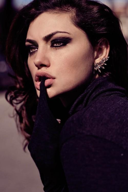 Phoebe Tonkin Glamour